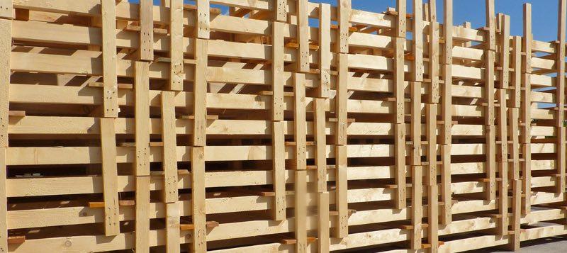 Paletten aus Holz aus Rheinau