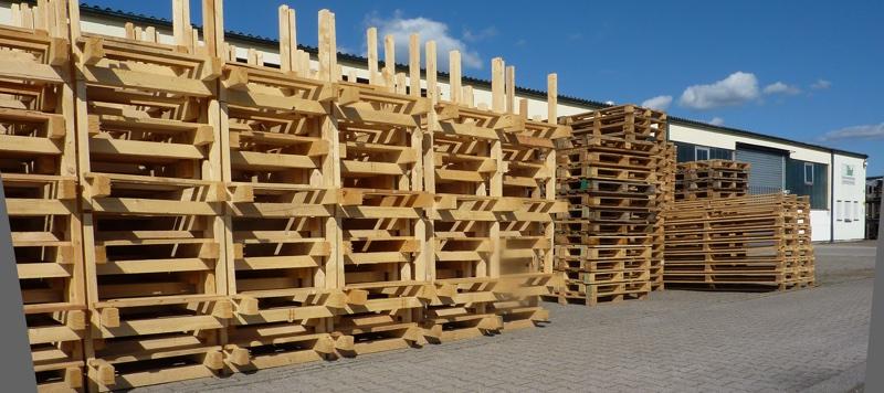 Paletten aus Holz für den Raum Karlsruhe.