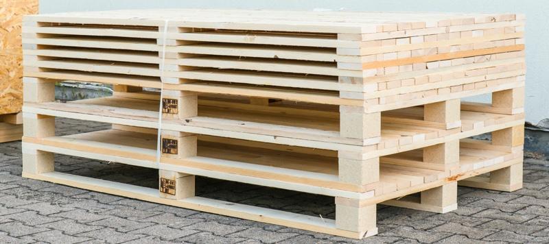 Paletten aus Holz: Baden-Baden.